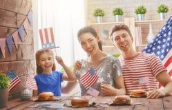 Патриотический праздник семья счастливая Стоковая Фотография