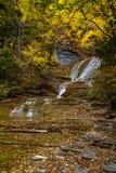 Пахта падает - водопад осени - Ithaca, Нью-Йорк стоковые фотографии rf