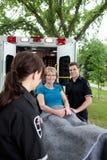 пациент машины скорой помощи счастливый Стоковая Фотография RF