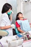 Пациент приготовления уроков Denstist Стоковые Фотографии RF