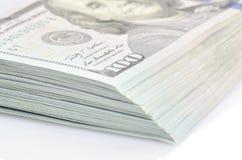 Пачка 100 долларов бумажных денег Стоковое Фото