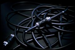 Пачка тональнозвуковых кабелей на усилителе Славные детали и света Стоковые Изображения RF