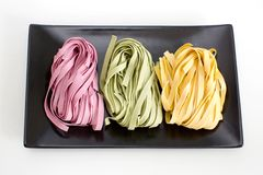 Пачки высушенных макаронных изделий цвета ленты Стоковые Изображения