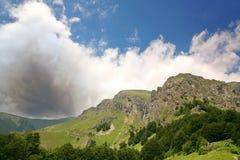 падает гора Стоковое Изображение