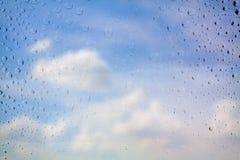 падает стеклянная вода Стоковые Изображения