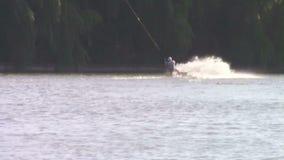 Падать лыжника воды сток-видео