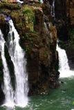 падают водопады iguazu большие u iguassu igua Стоковая Фотография RF