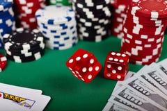 Падая кость покера Стоковое Фото