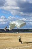 Падая parachutists Стоковое Изображение RF