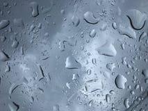 Падение воды на стекле стоковое фото rf