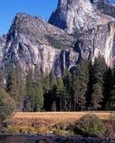 Падение Bridalveil, национальный парк Yosemite. Стоковые Изображения