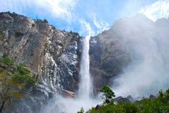 Падение Bridalveil, национальный парк Yosemite Стоковые Изображения