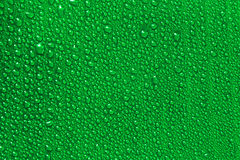 Падения воды на зеленых лист банана Стоковое фото RF