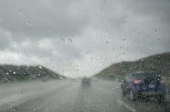 Падения дождя на лобовом стекле Стоковое Изображение RF