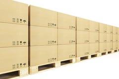 Паллеты с картонными коробками стоковые фото