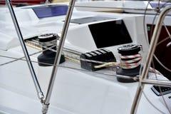 Пал и веревочка на яхте стоковая фотография rf