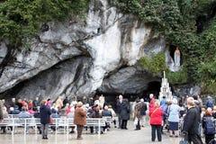 Паломники в Лурде Франция Стоковое Изображение