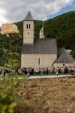 Паломники на религиозном St Ivo в Podmilacje, Jajce события Стоковое Фото