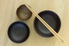 Палочки в деревянных плитах. Стоковые Изображения RF