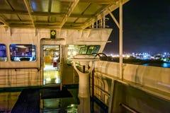 Палуба моста крыла корабля фрахтовщика Стоковые Изображения RF