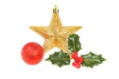 Падуб и безделушки украшения рождества Стоковое Изображение