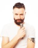 певица в реальном маштабе времени ража нот микрофона человека принципиальной схемы Стоковые Фото