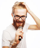 певица в реальном маштабе времени ража нот микрофона человека принципиальной схемы Стоковые Изображения