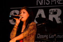 Певица женщины Стоковое Изображение