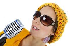 певица микрофона руки стоковое изображение