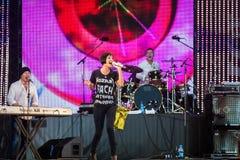 Певица Натали Imbruglia Музыкальный фестиваль Kryliya на стадионе Tyshino 22-ое июля 2007 в Москве, России Стоковые Изображения