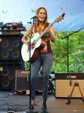 певица shakti hayes гитариста стоковое изображение rf