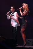 Певицы Kristina Orbakaite и Avraam Russo выполняют на этапе во время концерта дня рождения года Виктора Drobysh пятидесятого на ц Стоковые Фотографии RF