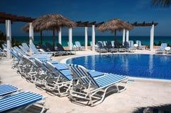 Пейзажный бассейн на курорте Кубы Стоковая Фотография