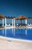 Пейзажный бассейн на курорте Кубы Стоковые Изображения