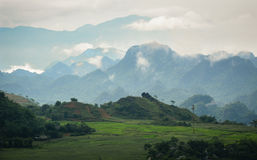 Пейзаж горы в Mai Chau, Вьетнаме Стоковое Изображение