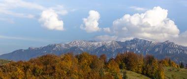 Пейзаж горы осени в Transylvanian Альпах Стоковые Фото