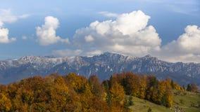 Пейзаж горы осени в Transylvanian Альпах Стоковая Фотография RF
