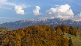 Пейзаж горы осени в Transylvanian Альпах Стоковые Фотографии RF
