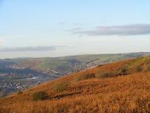 Пейзаж горы осени na górze горы Caerphilly смотря вне стоковое фото rf