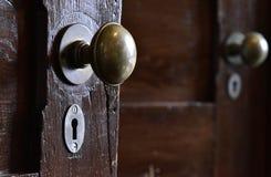Пейзаж деревянных ручки двери и keyhole Стоковое Фото