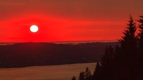 Пейзаж захода солнца ландшафта, фьорд Норвегии Стоковое Изображение RF