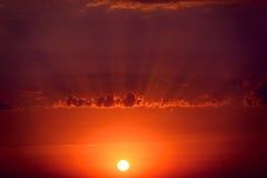 Пейзаж захода солнца фантастический Стоковые Изображения