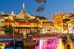 Пейзаж здания сада Шанхая традиционный yuyuan в вечере Стоковое Изображение RF