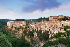 Пейзаж исторического города, красивый средневековый городок в Тоскане, Италии стоковое изображение rf