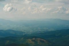 Пейзаж неимоверной украинской прикарпатской горы Стоковое Фото