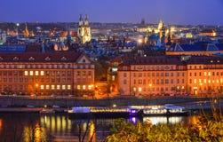Пейзаж ночи Праги Praha, Чехия стоковое фото