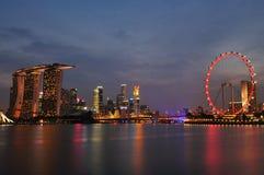 Пейзаж ночи Сингапур Стоковое Изображение RF