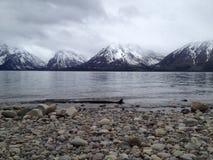 Пейзаж озера гор Стоковая Фотография RF