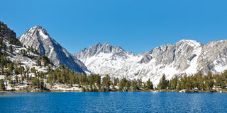 Пейзаж озера Сьерра Невада высокогорный Стоковые Изображения RF