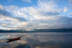 Пейзаж озера Lugu Стоковое фото RF